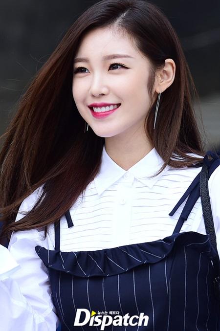 na-eun-nam-tinh-kim-so-hyun-gia-dan-tai-seoul-fashion-week-6