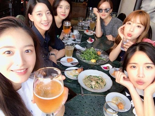 sao-han-23-5-suzy-dep-khong-can-photoshop-krystal-khoe-than-thai-kieu-sa-2-2