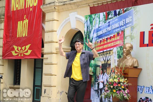 Ngày hôm nay 4/9, hơn 2500 thầy trò trường THPT Việt Đức (Hà Nội) cùng tham gia lễ khai giảng bắt đầu năm học mới.