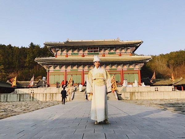 sao-han-25-5-park-shin-hye-khoe-duong-cong-seo-hyun-hoa-nu-sinh-dau-gau-3