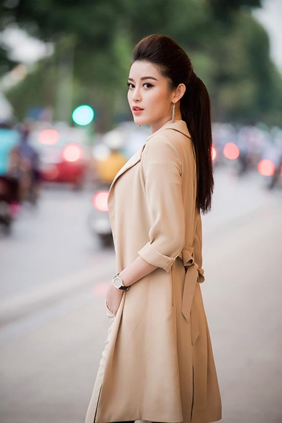huyen-my-mac-kin-dao-tai-xuat-sau-on-ao-tinh-ai-2