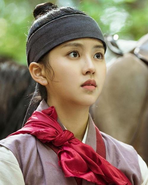 sao-han-29-5-ji-chang-wook-mac-met-vi-lam-nguoi-theo-nana-lo-da-bong-dau-4