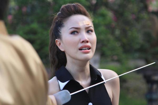 sao-vpop-dong-phim-nguoi-duoc-khen-nguoi-gay-ngao-ngan-2