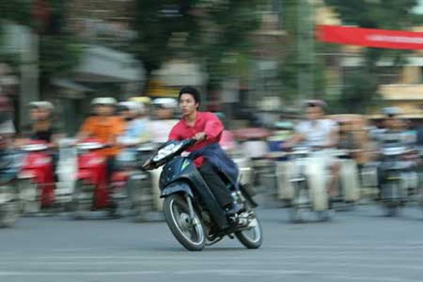 nhung-kieu-lai-xe-kho-chiu-thuong-gap-tren-duong-2