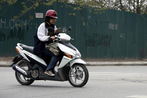 nhung-kieu-lai-xe-kho-chiu-thuong-gap-tren-duong-3