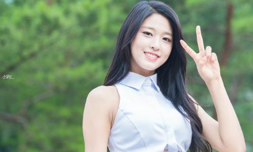 seol-hyun-duoc-chau-trai-hoang-tu-monaco-khen-dep-nhat-trai-dat-1