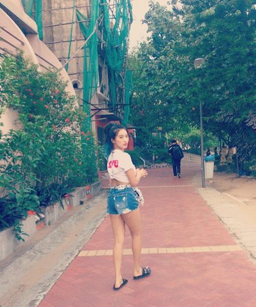 sao-han-31-5-seo-hyun-mat-tron-baby-ji-yeon-khoe-tao-hinh-dep-trai-5