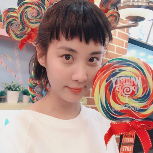 sao-han-31-5-seo-hyun-mat-tron-baby-ji-yeon-khoe-tao-hinh-dep-trai