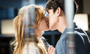 Cự tuyệt xong, Ji Chang Wook lại 'trở mặt' hôn say đắm nữ chính