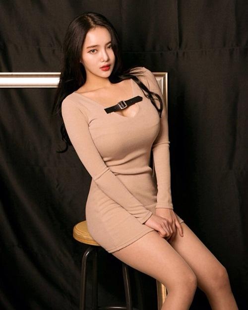 hot-girl-han-gay-sot-instagram-vi-ty-le-than-hinh-kho-tin-3
