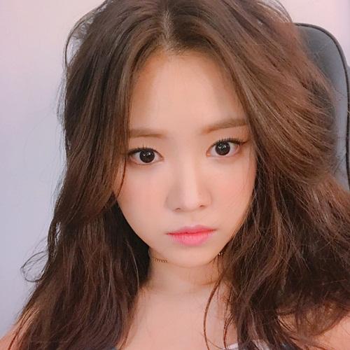 sao-han-2-6-hyo-min-sexy-het-nac-sinb-nhu-ban-sao-cua-jessica-2