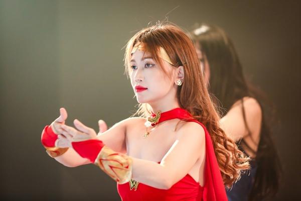 si-thanh-hoa-wonder-woman-sieugoi-cam-4