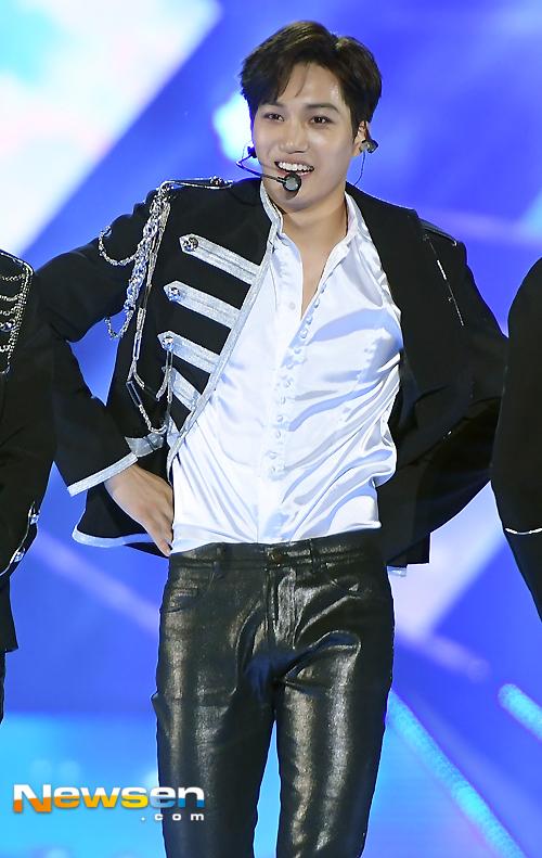 loat-than-tuong-kpop-lam-sang-bung-tham-do-dream-concert-9