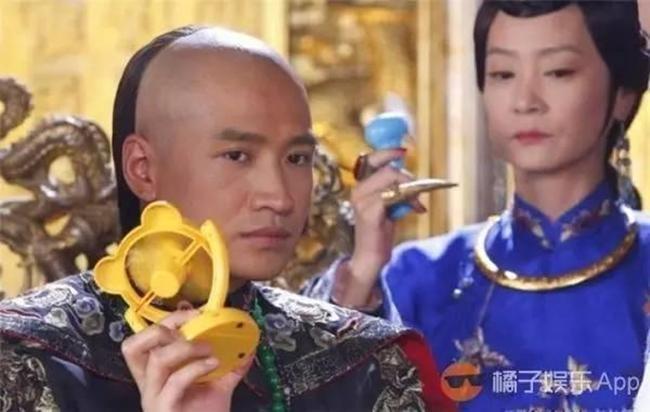 sao phim co trang khon kho vi nong the nay ma van phai mac hinh anh 9