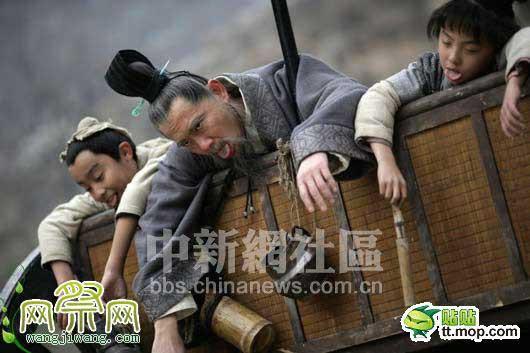 sao phim co trang khon kho vi nong the nay ma van phai mac hinh anh 14