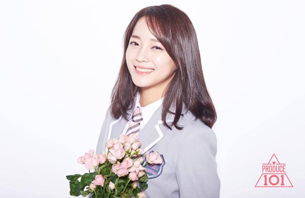 thanh-vien-gugudan-thay-the-kim-yoo-jung-lam-nu-chinh-school-2017-1