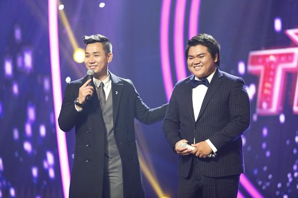 chang-trai-dong-tinh-khoe-giong-khien-giam-khao-muon-nhan-lam-fan-3