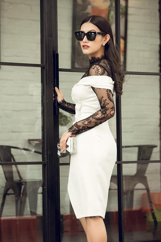 hot-girl-tay-thi-ngu-gat-mac-xuyen-thau-khoe-dang-nuot-4