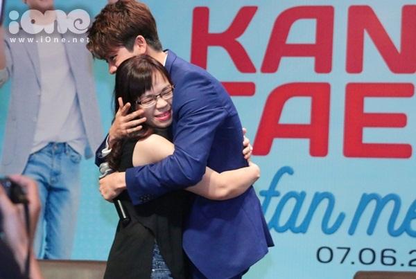 kang-tae-oh-lam-1001-bieu-cam-kute-tao-dang-sexy-6