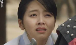 Kim So Hyun bị biên kịch biến từ 'nữ thần' thành 'con ghẻ' trong phim