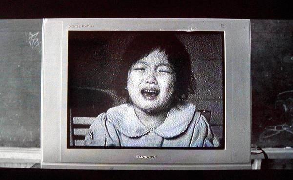 sao-nhi-han-dong-canh-hon-moi-phim-18-khi-chua-du-tuoi-6