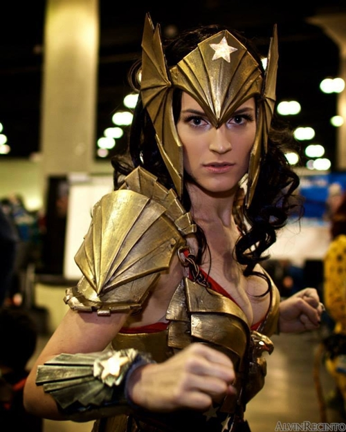 nhung-man-cosplay-wonder-woman-xuat-sac-khong-kem-ban-goc-4