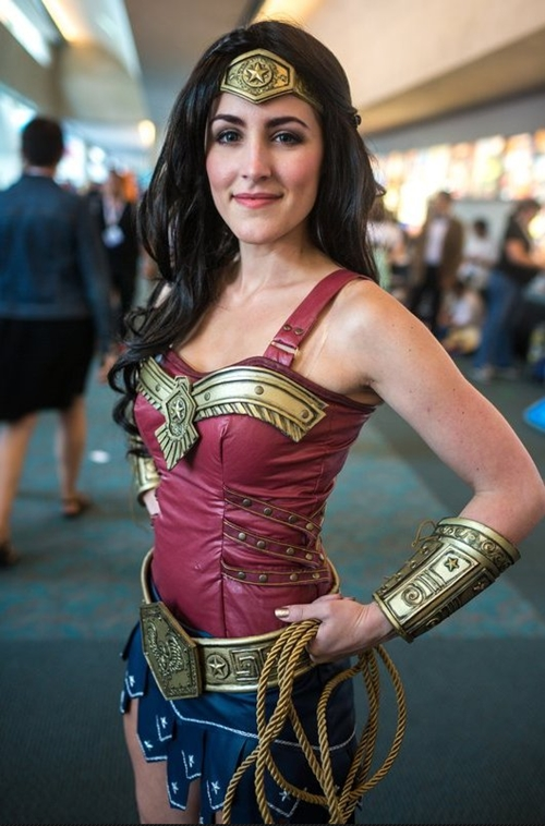 nhung-man-cosplay-wonder-woman-xuat-sac-khong-kem-ban-goc-6