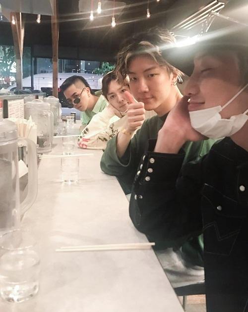 sao-han-12-6-yoon-ah-lo-vai-tran-trang-ngan-hyo-min-khoe-s-line-6