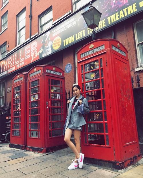 sao-han-13-6-dara-khoe-chan-thon-nuot-kim-ji-won-ngu-gat-sieu-cute