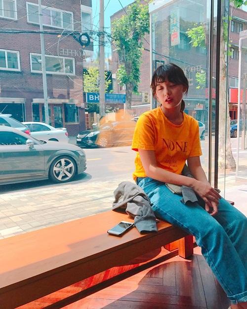 sao-han-13-6-dara-khoe-chan-thon-nuot-kim-ji-won-ngu-gat-sieu-cute-1
