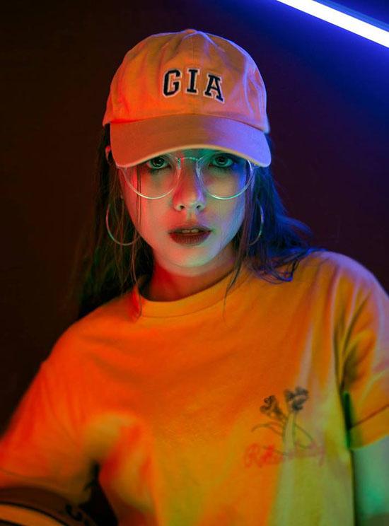 hot-girl-bao-chi-xinh-nhu-gai-tay-dat-show-lam-mau-online