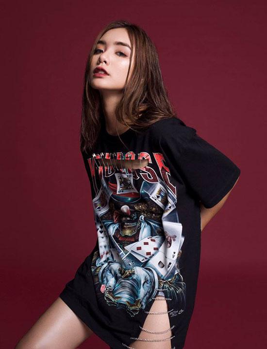 hot-girl-bao-chi-xinh-nhu-gai-tay-dat-show-lam-mau-online-2