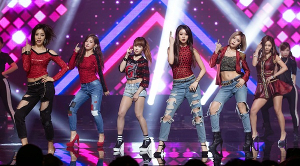 top-10-sao-kpop-hut-fan-khung-nhat-o-trung-quoc-7