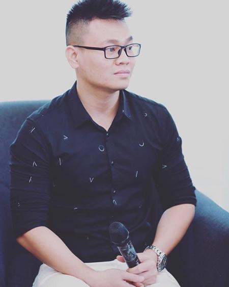 thay-giao-livestream-luyen-van-cho-teen-12-thi-thpo-quoc-gia