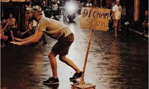 Những chàng Tây hơn cả soái ca với hành động 'lạ' ở Việt Nam