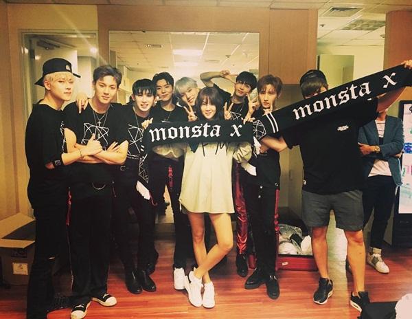 sao-han-19-6-seol-hyun-tiet-lo-hau-truong-song-ao-hyo-min-khoe-dang-mien-che-2-6