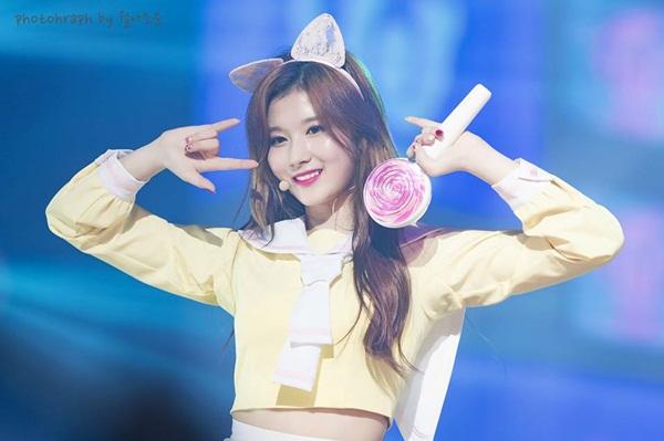 10-idol-nguoi-nuoc-ngoai-dang-phu-song-kpop