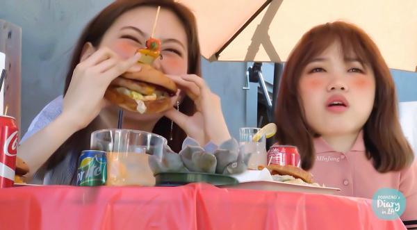 nu-than-kpop-an-hamburger-nguoi-duyen-dang-ke-mat-bien-dang-6
