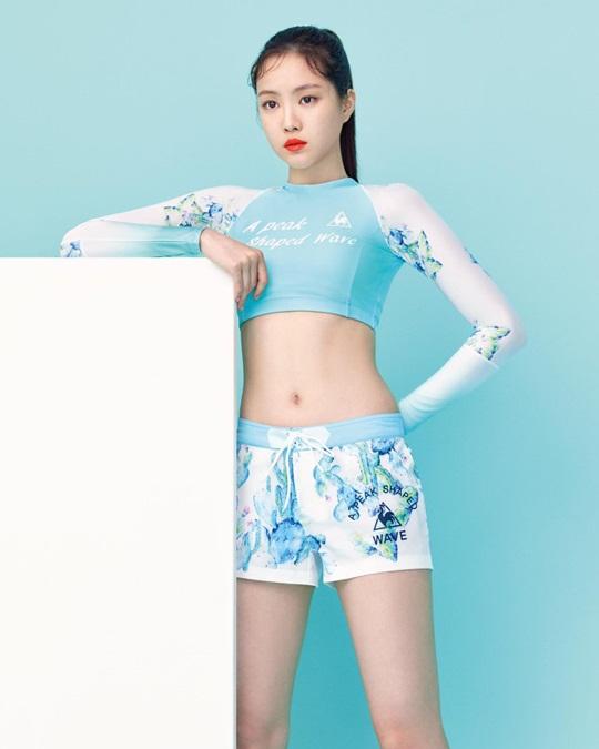nu-than-kpop-do-dang-voi-bikini-do-tap-gym-tren-tap-chi-5