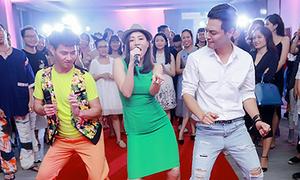 Phan Anh, Xuân Bắc nhảy múa hết mình phụ họa cho Thu Minh