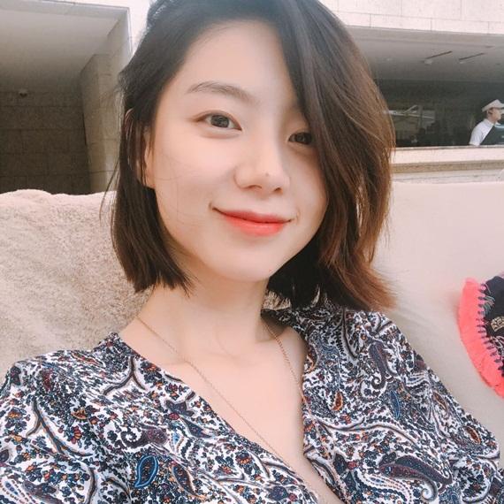 my-nhan-han-xuong-toc-nguoi-duoc-khen-tre-ke-bi-che-9