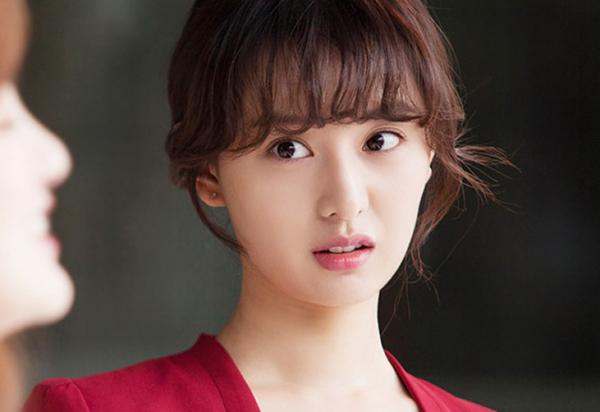 4-buoc-lam-dep-cho-nhan-sac-tan-chay-cua-kim-ji-won-1