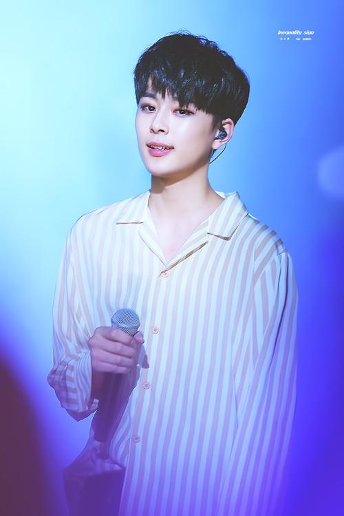 8-idol-kpop-qua-phong-phao-khong-ai-tin-thuoc-the-he-10x