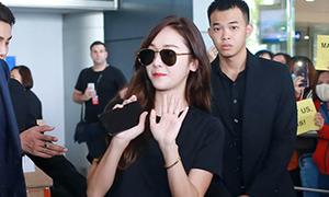 'Công chúa băng giá' Hàn Quốc đẹp không tì vết ở sân bay Tân Sơn Nhất