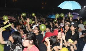 'Rừng' fan Việt ướt như chuột xem Jessica Jung biểu diễn