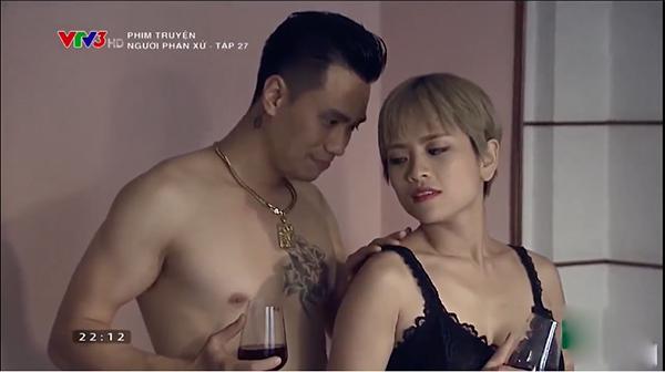 ban-tu-cam-dui-ga-go-dau-ong-trum-va-bo-moi-phan-hai-gay-bao-voi-fan-nguoi-phan-xu-8