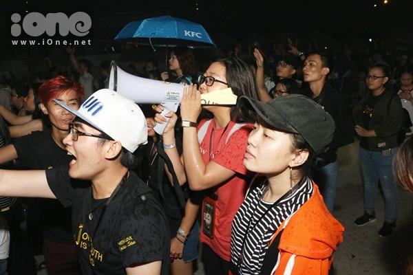rung-fan-viet-uot-nhu-chuot-xem-jessica-jung-bieu-dien-5