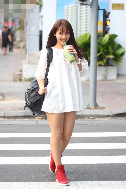 10-hotgirl-viet-chan-ngan-nhung-mat-xinh-van-sieu-hot