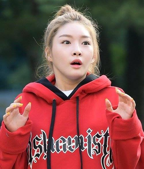 phan-ung-cua-idol-kpop-truoc-tieng-het-hai-hung-cua-fanboy