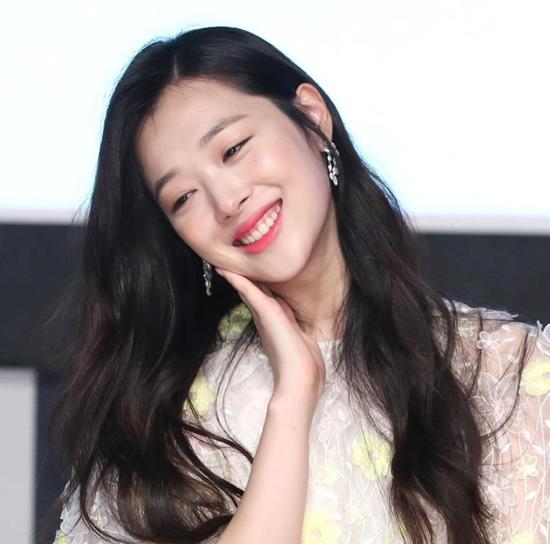 nam-thanh-nu-tu-kbiz-lan-dau-hu-hong-trong-bom-tan-cua-kim-soo-hyun-3